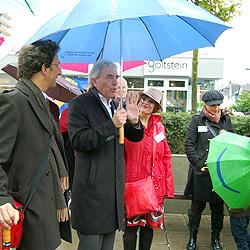 OB Jürgen Roters beim Stadtteilspaziergang